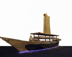 Titarubi,-Metamorphosa,-2017,-pala-lapis-emas,-kayu,-tembaga,-585-x--185-x-102-cm