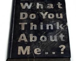 Desrat Fianda, Malin Kundang's Story, What Do You Think About Me, 2017, fosil batu, 28 x 19 x 5cm